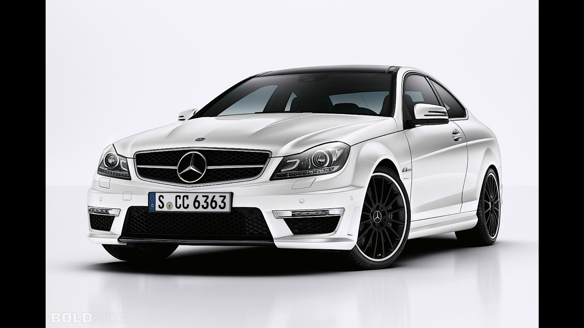 Mercedes benz c63 amg coupe for Mercedes benz c63 convertible