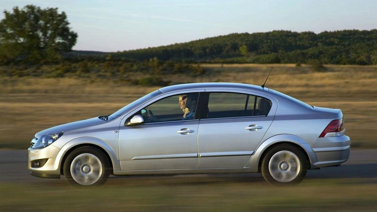 New Opel Astra Notchback