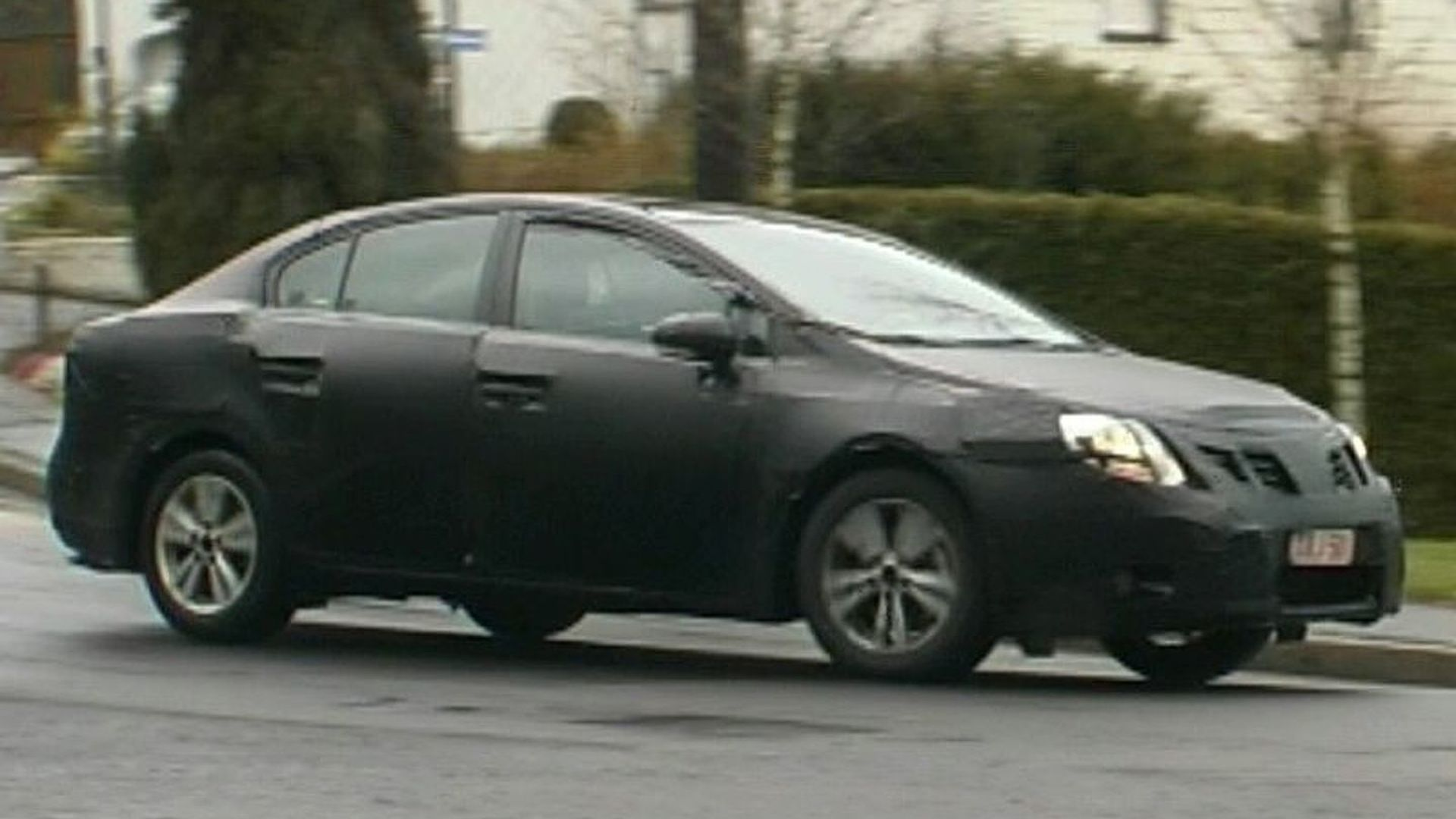 Toyota Avensis Spy Video