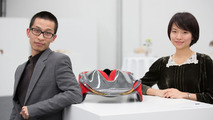"""Students Shihan Pi and Yjing Zhang from the Royal College of Art in London with their """"Epiphany"""" concept 26.11.2012"""