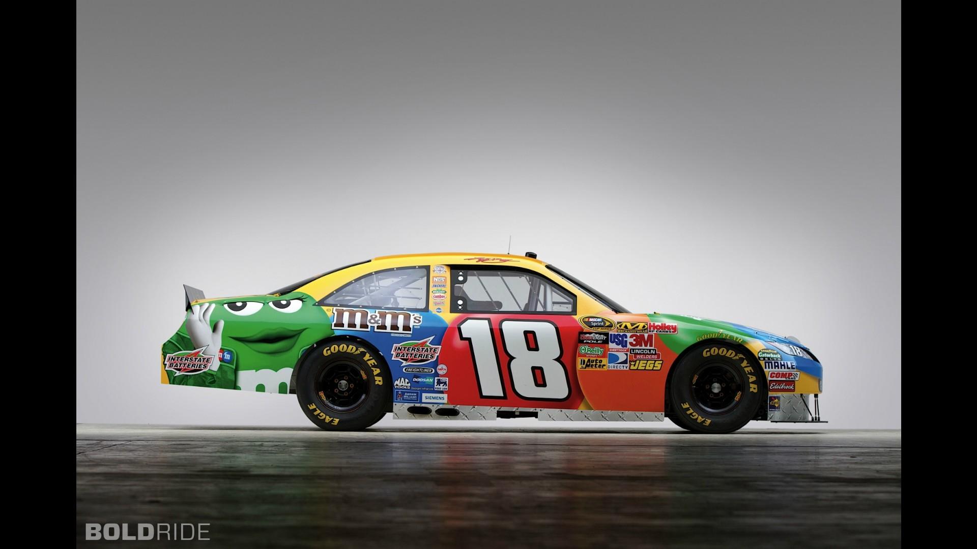 Toyota Camry Kyle Busch #18 NASCAR Race Car