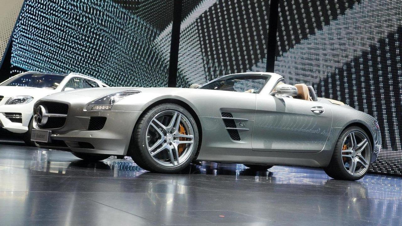 Mercedes-Benz SLS AMG Roadster live in Frankfurt 15.09.2011