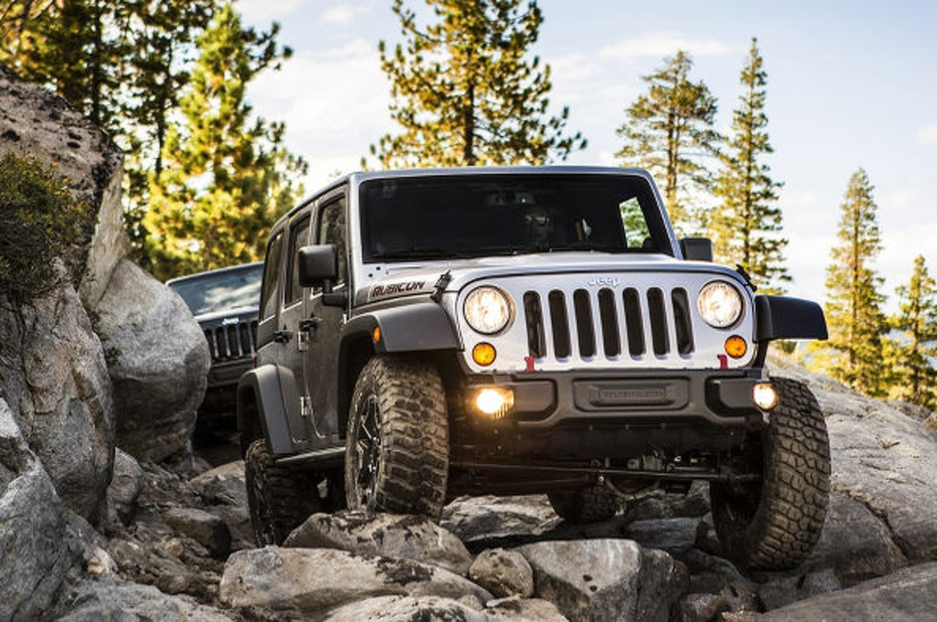 Jeep Defends Wrangler Against Poor Consumer Reports Score