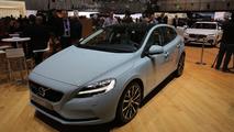 Volvo V40 brings discreet facelift to Geneva