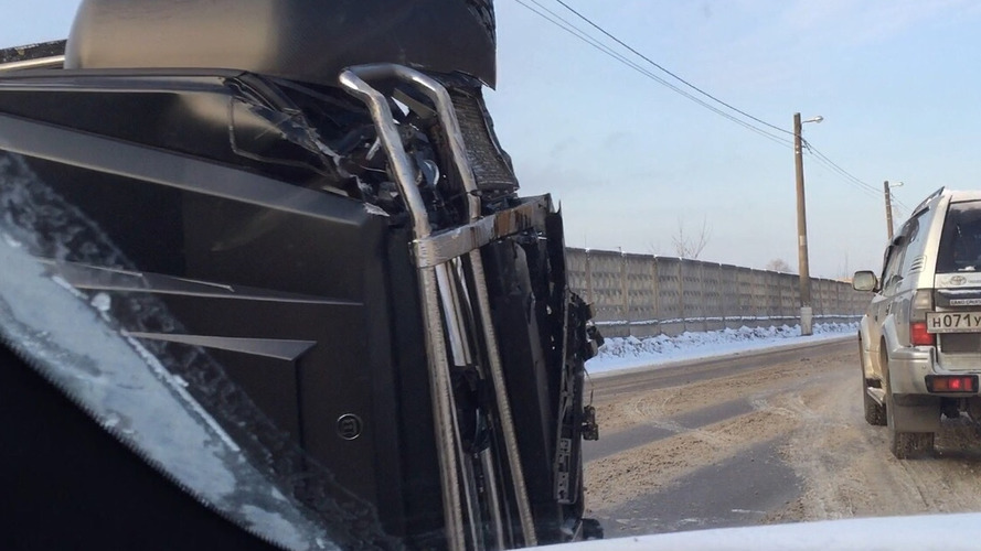 Brabus G63 AMG 6x6 tipped over following crash [video]