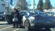 Old lady uses Nissan GT-R to do her everyday shopping