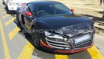 Audi R8 GT involved in light crash with Volkswagen Golf 5 GTI