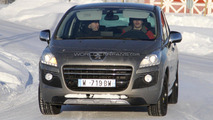 2011 Peugeot 3008 Hybrid4 prototype spotted on the road
