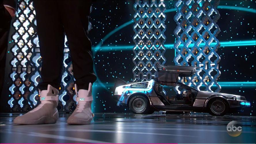 VIDÉO - La DeLorean fait sa star aux Oscars !