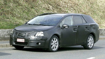 Toyota Avensis Spy Photo