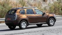2014 Dacia Duster facelift spy photo 19.07.2013