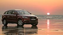 Audi Q7 crosses Australian continent