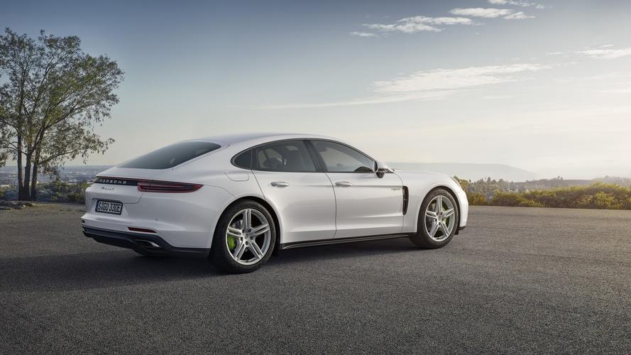 Porsche Panamera 4 E-Hybrid performance version with 500 hp coming