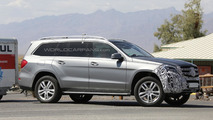Facelifted Mercedes-Benz GL spied testing in the Death Valley
