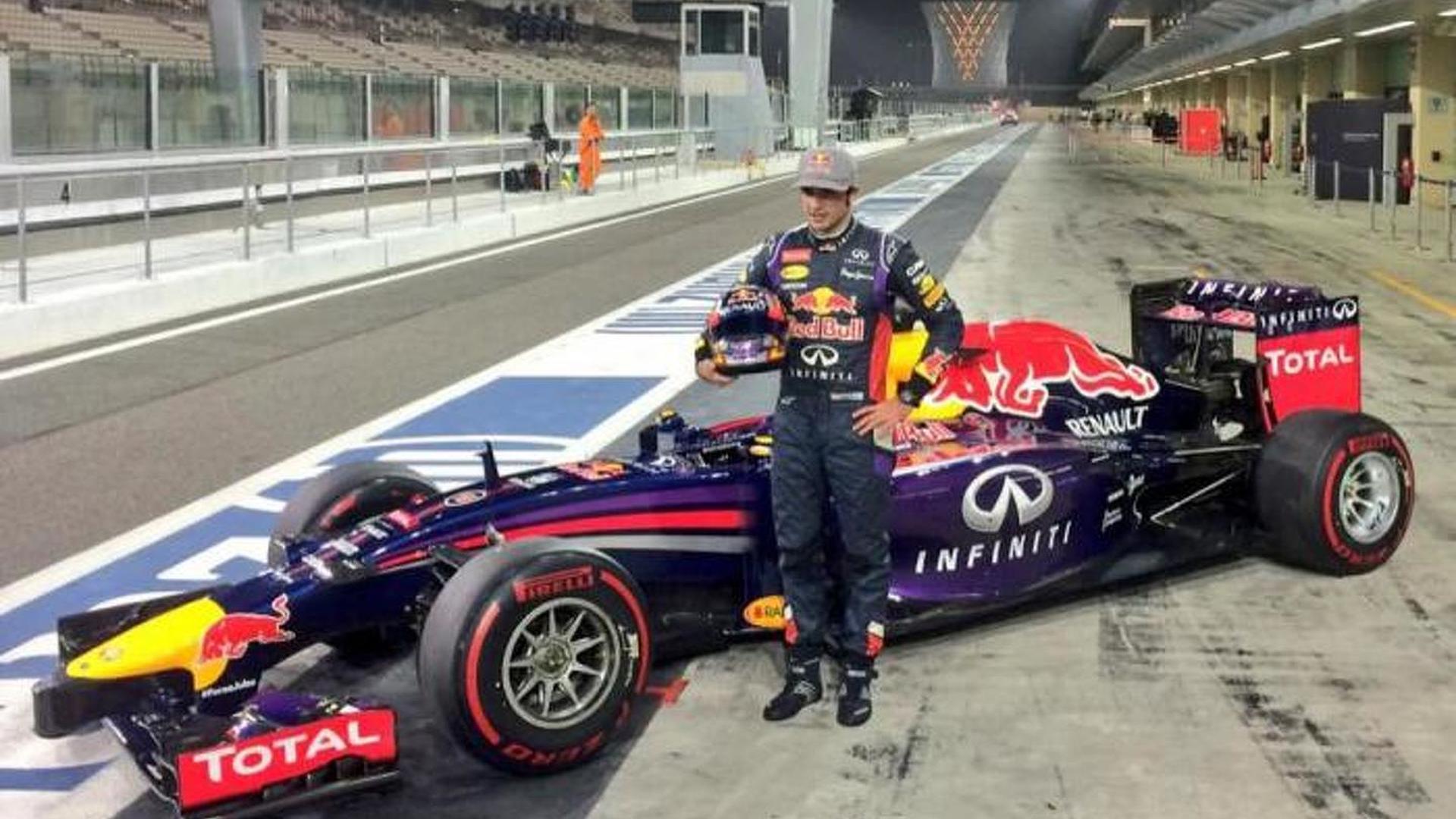 Toro Rosso confirms Sainz for 2015