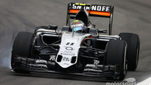 Sergio Perez, Sahara Force India F1 VJM08 locks up under braking