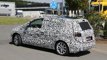 2014 Volkswagen Golf Plus spy photo 23.8.2013