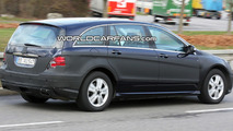 2010 Mercedes R-Class Facelift Spied Again