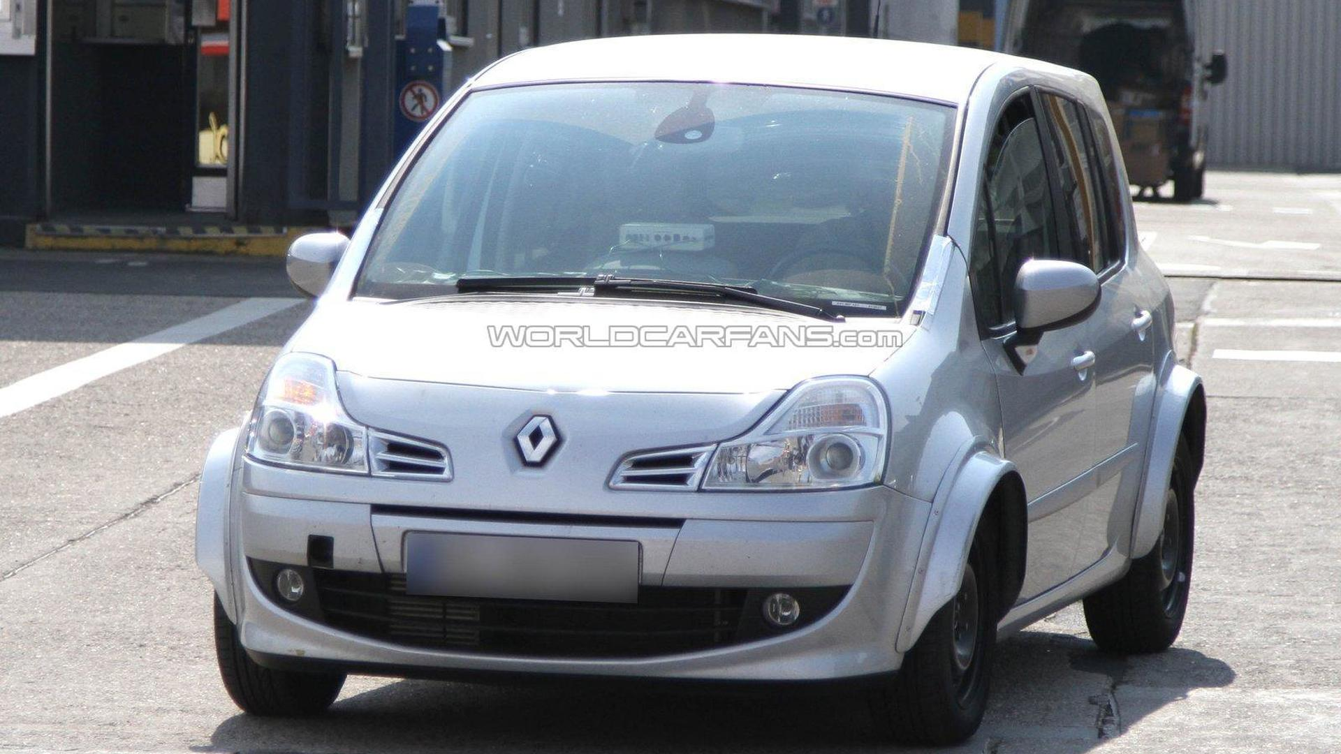 Renault Modus mule spied with wider wheel arches
