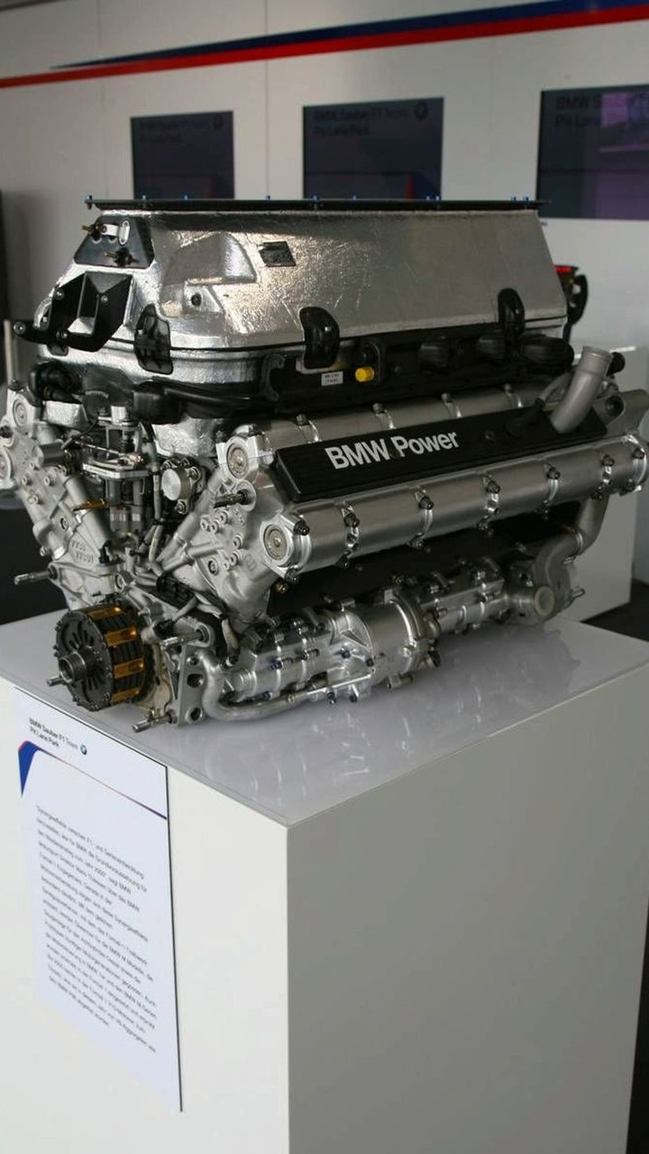 BMW Engine display, European Grand Prix, BMW Pit Lane Park, Nürburg, Germany, 04.05.2006