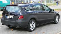 Mercedes R Class Facelift Spied Again