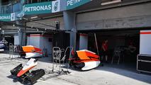 Manor fires up Ferrari engine at Sepang