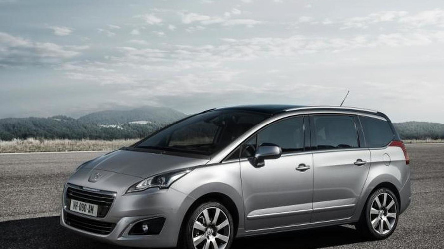 2014 Peugeot 5008 facelift uncovered