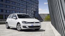 Volkswagen begins paying for Dieselgate with $500 gift cards