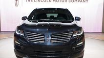 2015 Lincoln MKC live in L.A. 21.11.2013