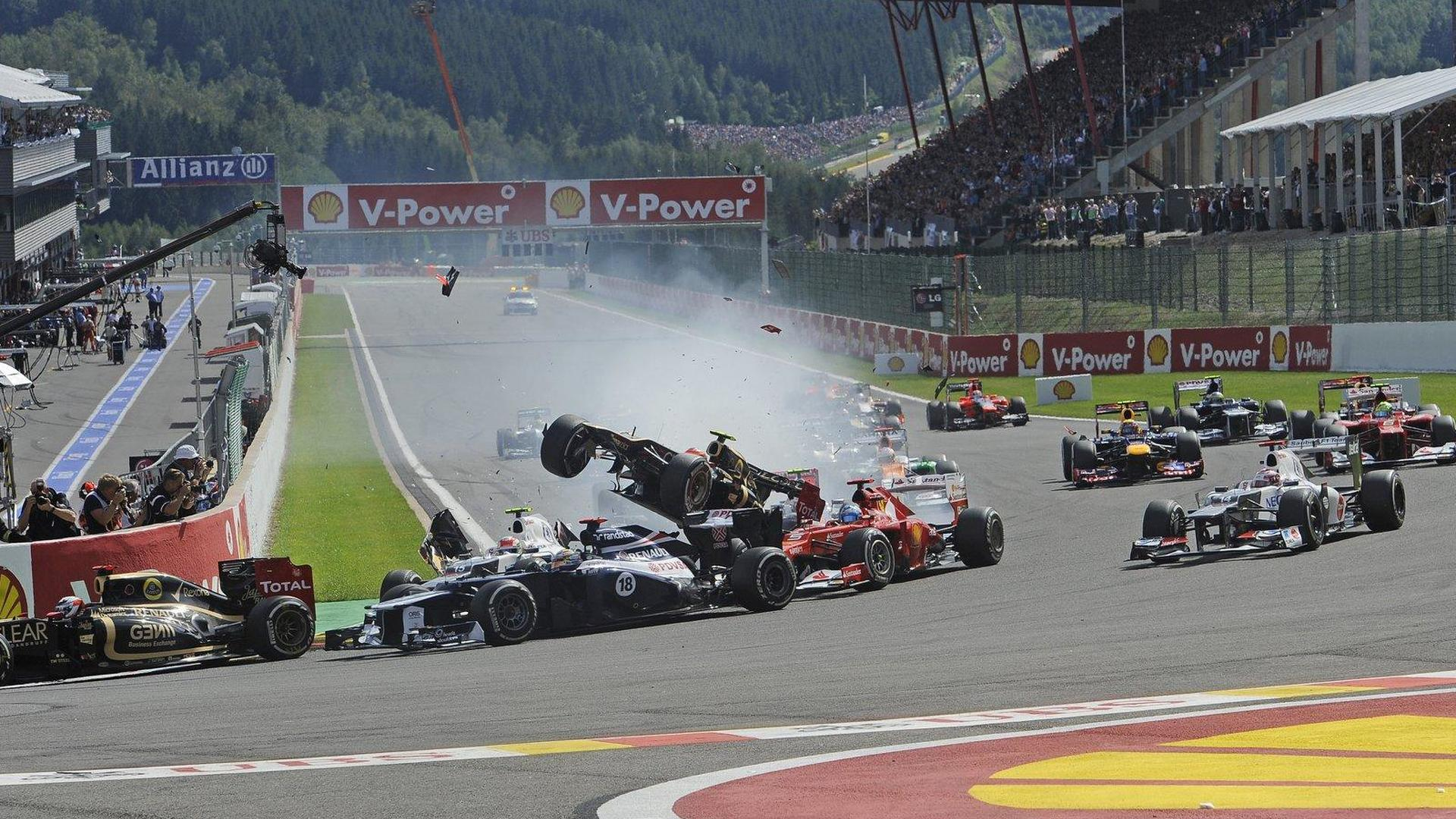 Big crash at 2012 Belgian grand prix - RESULTS [video]