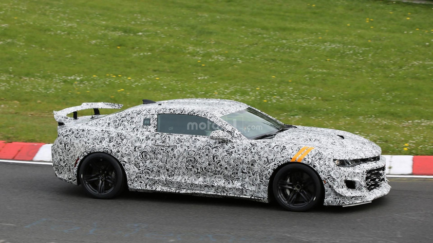 Hardcore Chevrolet Camaro Z/28 spied on the Nurburgring