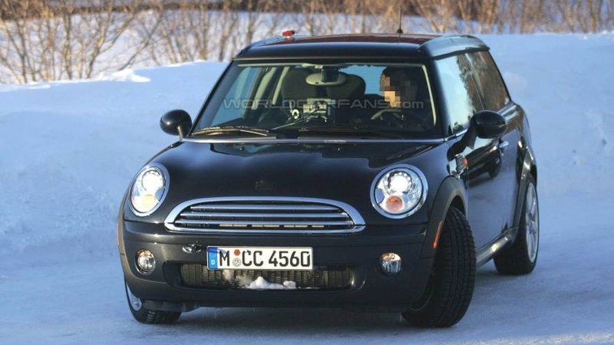 SPY PHOTOS: Mini Estate  - Undisguised
