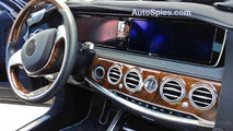 2013 Mercedes-Benz S-Class interior spy photo / AutoSpies.com
