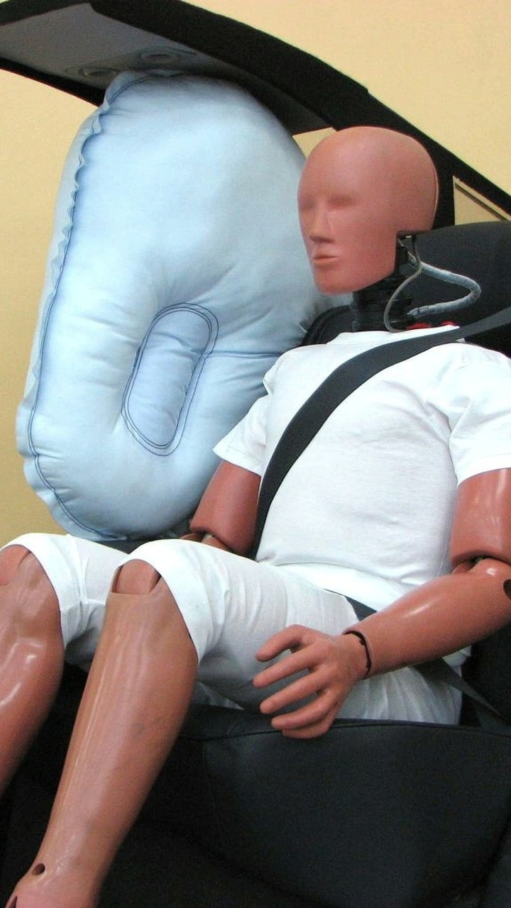 Toyota deployed SRS rear-seat center airbag