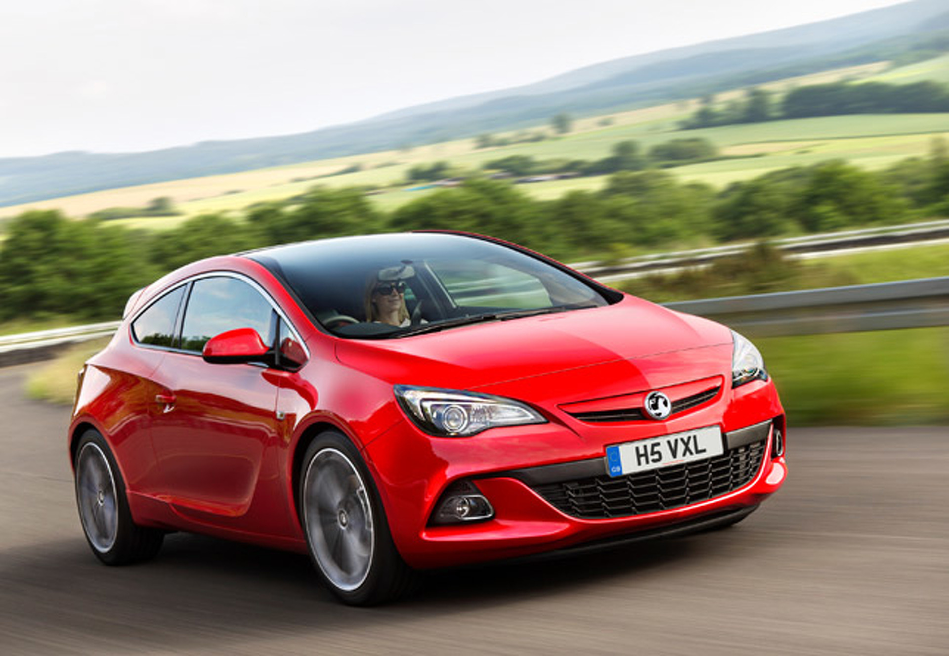 Unveiled: Vauxhall Astra GTC Turbodiesel