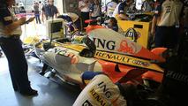 Prodrive quiet, Renault board set to meet