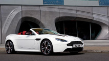 Aston Martin V12 Vantage Roadster officially revealed