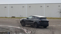 2018 Porsche Cayenne spied for the first time