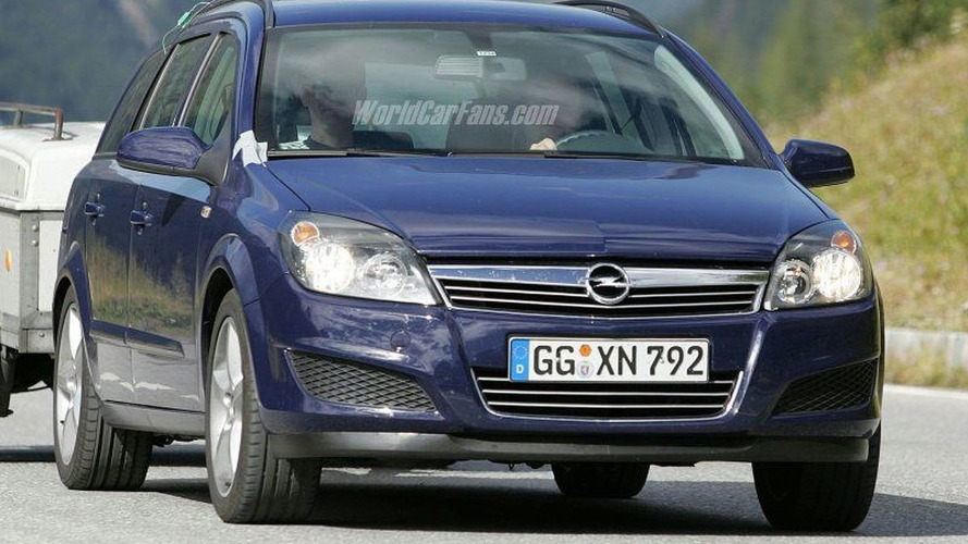 SPY PHOTOS: Opel Astra Facelift