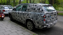 BMW X7 spied for the first time?
