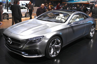 Mercedes-Benz S-Class Coupe: Old News Steals the Show