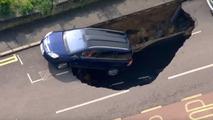 London sinkhole claims Vauxhall Zafira