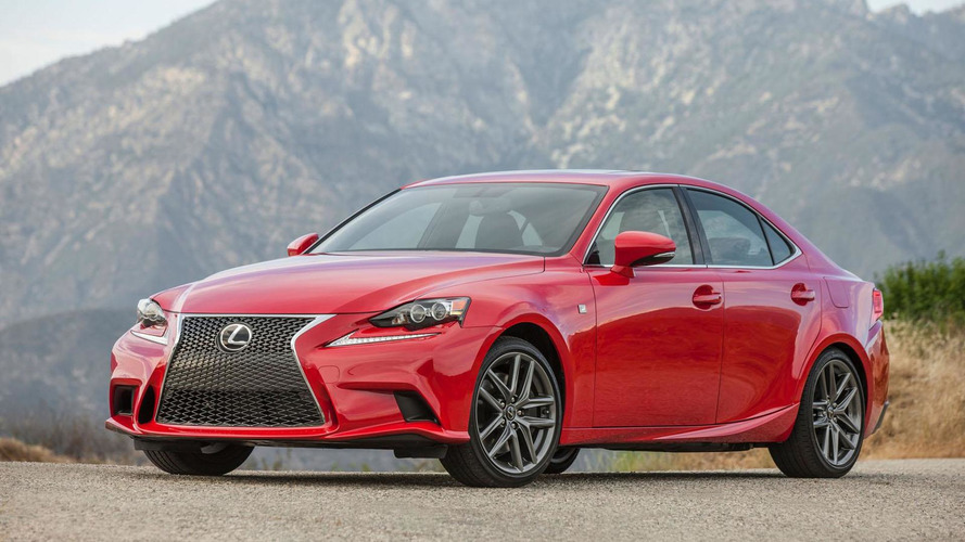 2016 Lexus IS unveiled with two new engines [video]