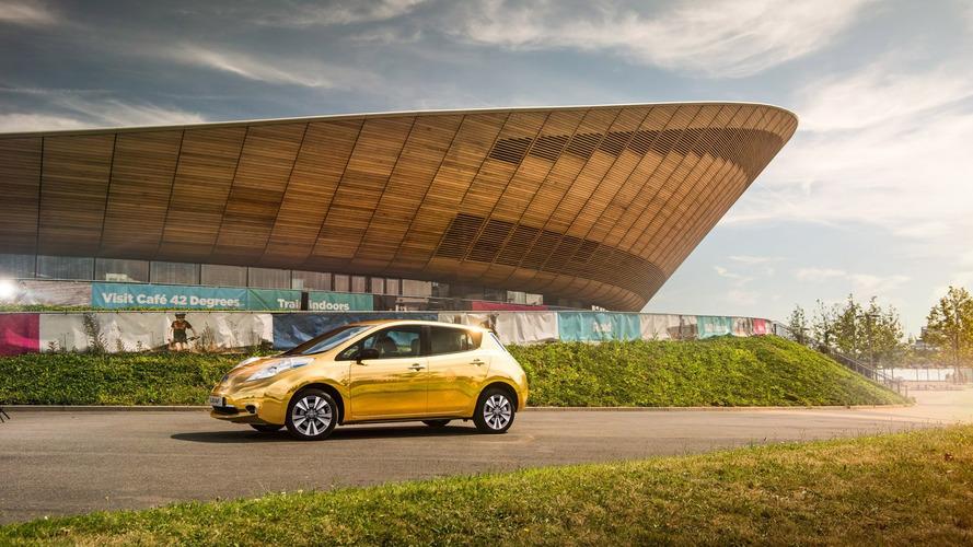 Des Nissan Leaf livrée or pour les champions olympiques