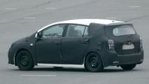 Toyota Auris Verso Spied