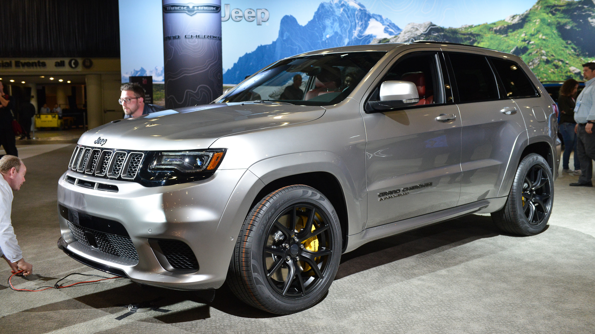 Jeep Grand Cherokee Trackhawk fers 707 HP For $85 900