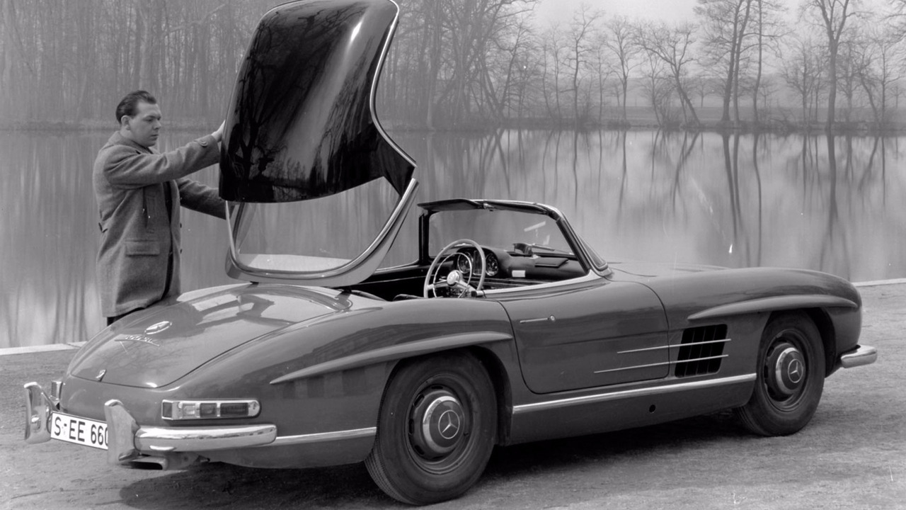 mercedes marks 60 years of the 300 sl roadster. Black Bedroom Furniture Sets. Home Design Ideas