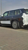 Lexus LX570 facelift spy photo