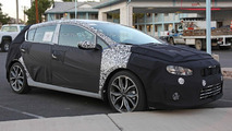 2017 Kia Forte facelift spy photo