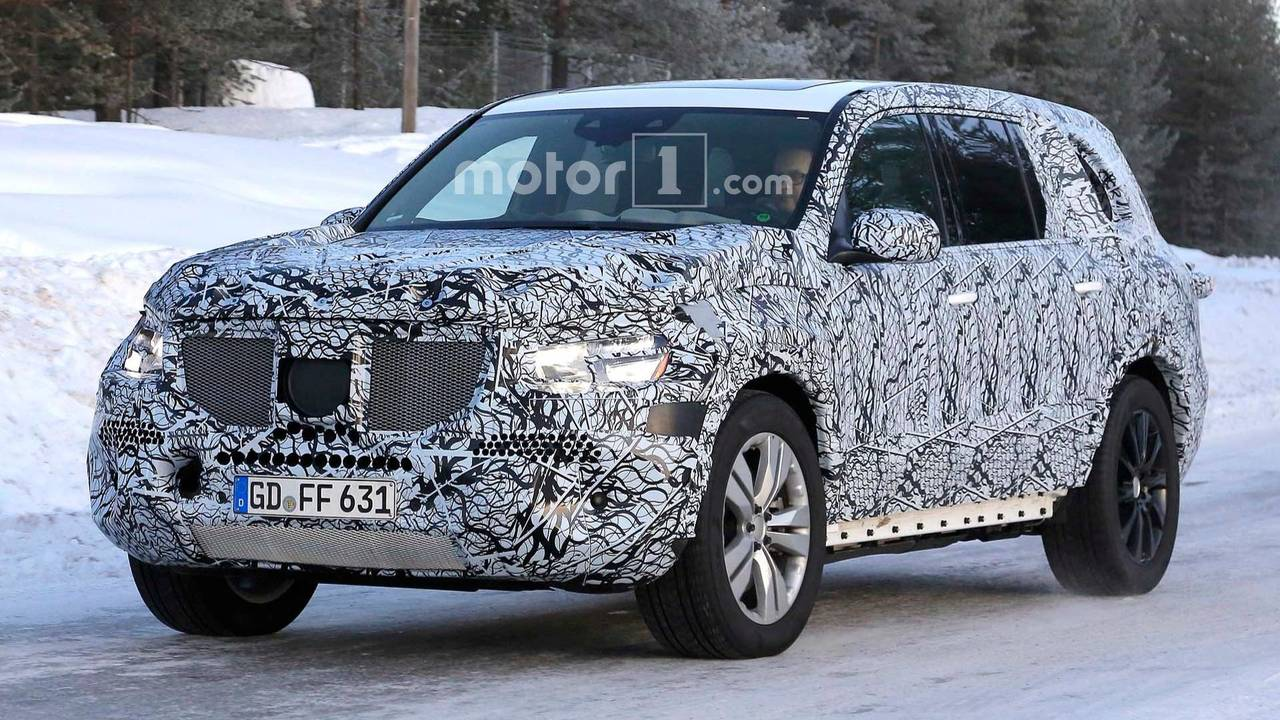 2019 mercedes benz gls class spied in snow looking rather. Black Bedroom Furniture Sets. Home Design Ideas